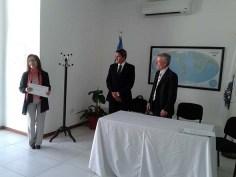 Entrega de diploma al Agrim. Mabel Alvarez Lopez