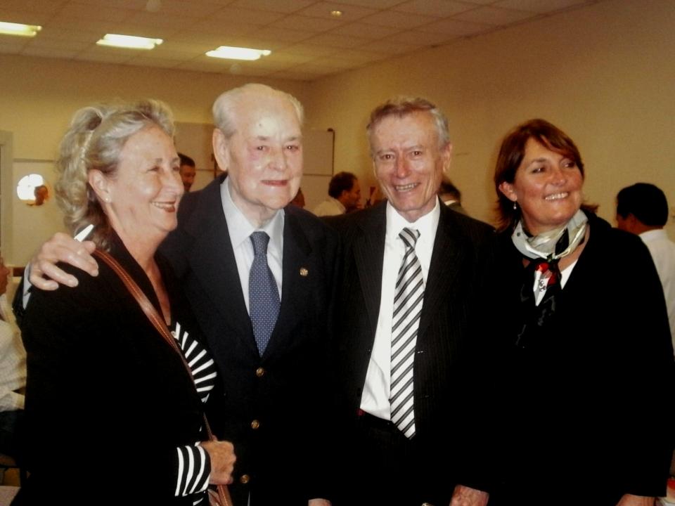 Manuel Castagnino junto al presidente de la Academia Norberto Frickx