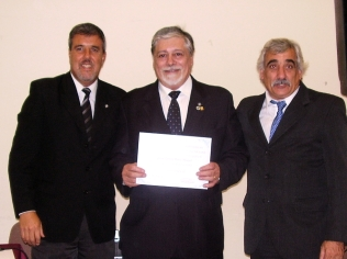 Entrega de diploma al agrim. Marco Lanari